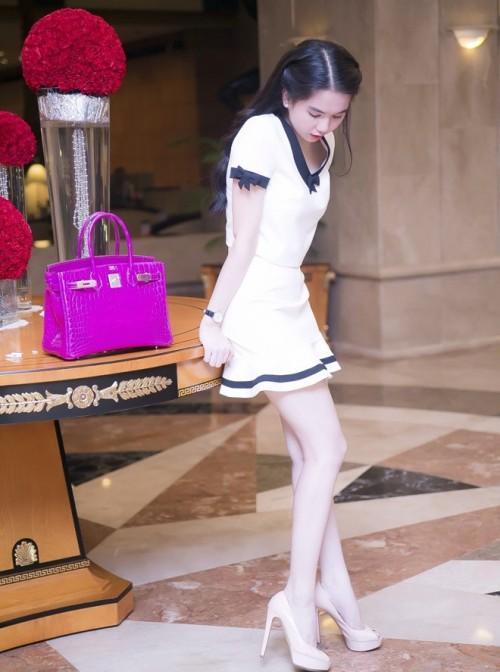 Ngọc Trinh chi 160 triệu đồng tậu vali cực chất của Chanel-6