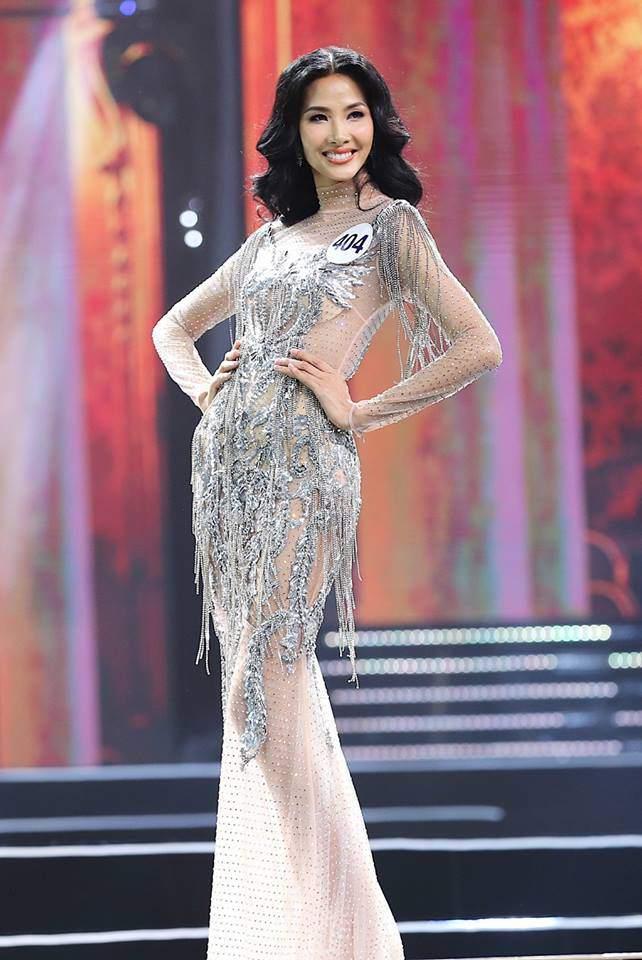 Chẳng ai ngờ thiết kế váy giúp Hoàng Thùy chinh phục ngôi Á hậu 1 còn đụng hàng cả siêu mẫu Lukkade-3