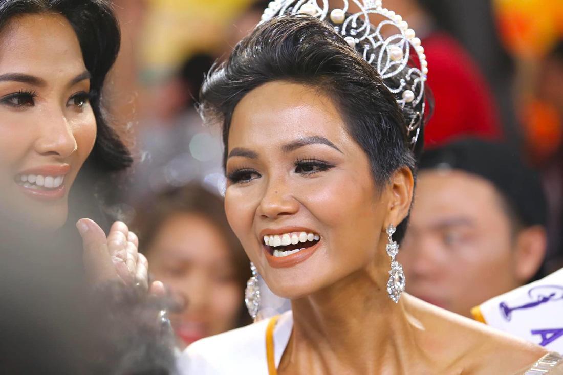 Bạn thân tiết lộ HHen Niê nợ 4 triệu đồng trước đêm chung kết hoa hậu-1