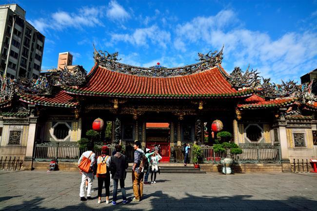 Sớm xuân tĩnh lặng ở chùa Long Sơn-1