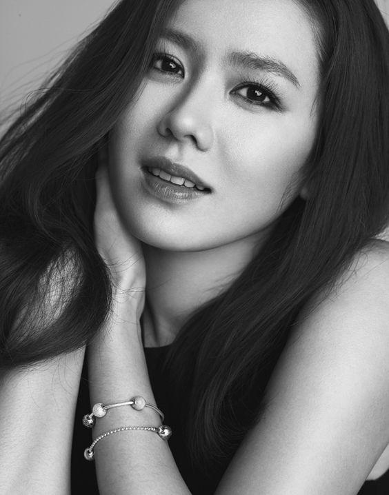2 nữ thần Son Ye Jin và Han Ga In rủ nhau tái xuất màn ảnh nhỏ-1