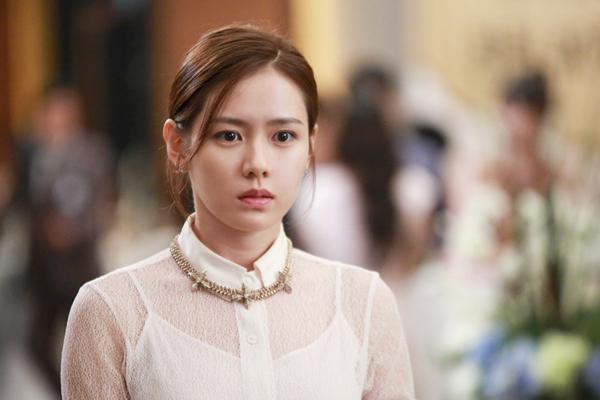 2 nữ thần Son Ye Jin và Han Ga In rủ nhau tái xuất màn ảnh nhỏ-2