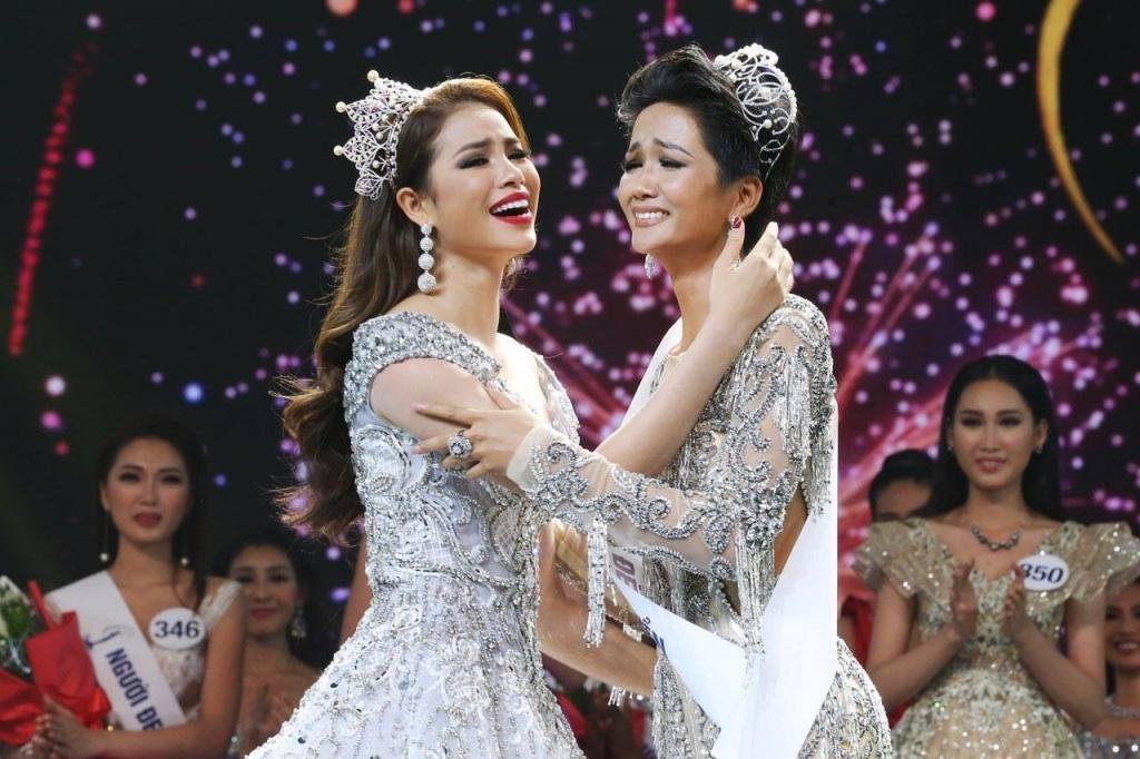 Khen thưởng đột xuất đối với tân Hoa hậu Hoàn vũ Việt Nam HHen Niê-1