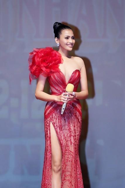 Tường Linh khiến fan lo lắng khi liên tục chọn váy cũ của Hà Hồ để lên đường thi thố nhan sắc-3
