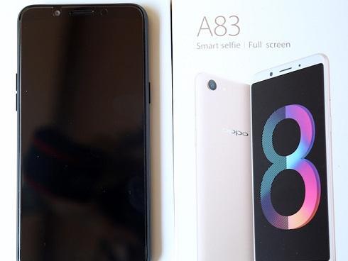 Oppo tung A83 giá rẻ với nhiều 'vũ khí' lấy từ đàn anh
