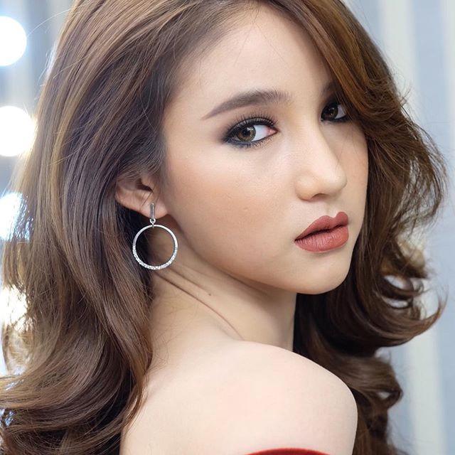 Nhan sắc yêu kiều của mỹ nhân chuyến giới khiến Hương Giang Idol phải lo sợ khi chinh phục ngôi hoa hậu-10