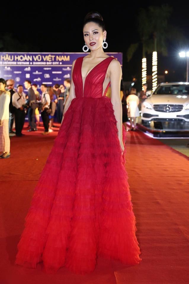 Thanh Hằng diện set đồ 3 tỷ, cân cả dàn mỹ nhân Việt trên thảm đỏ tuần qua-7