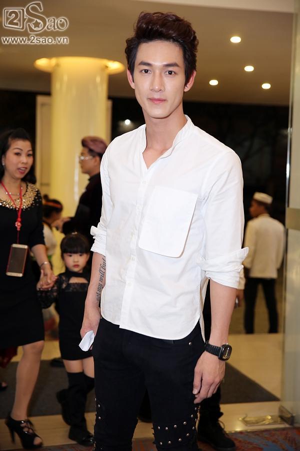 Hoàng tử sơn ca Quang Vinh lịch lãm dự tiệc-2
