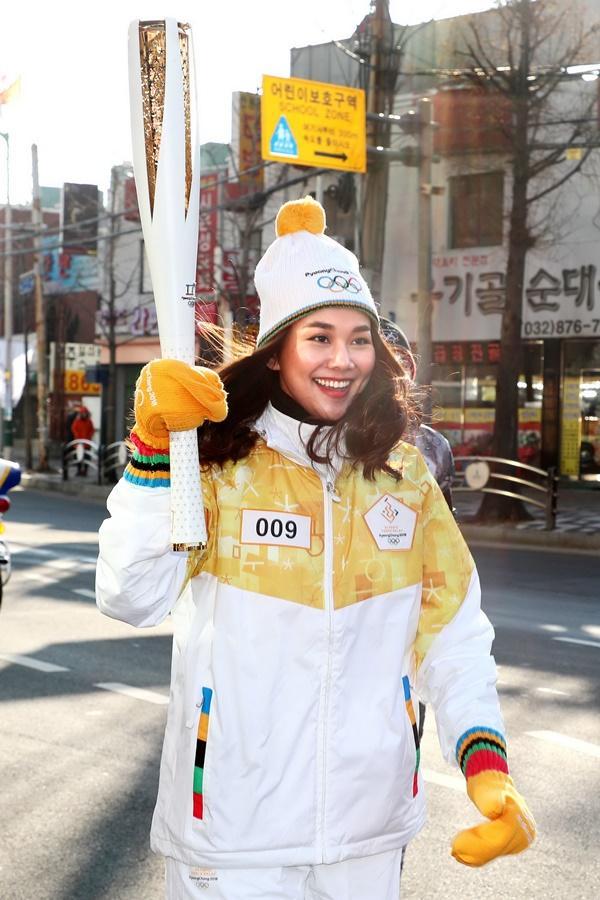 Thanh Hằng đại diện Việt Nam rước đuốc tại Thế Vận Hội mùa đông 2018-3