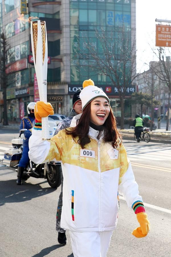 Thanh Hằng đại diện Việt Nam rước đuốc tại Thế Vận Hội mùa đông 2018-5
