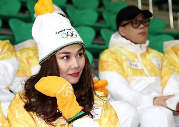 Thanh Hằng đại diện Việt Nam rước đuốc tại Thế Vận Hội mùa đông 2018-8