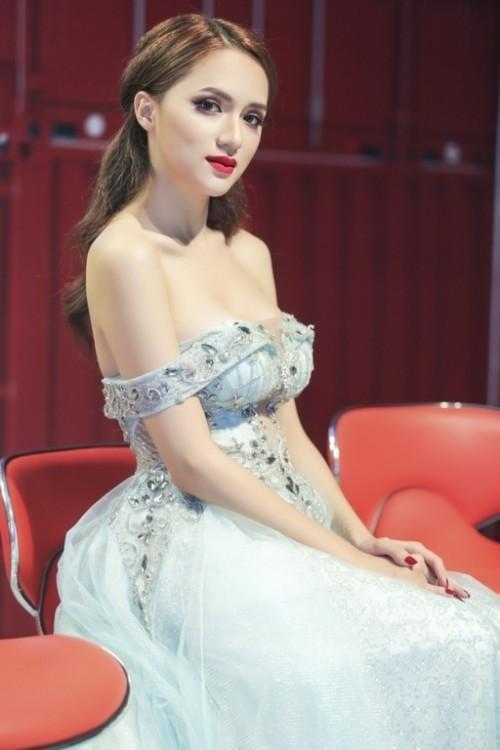Hương Giang Idol: Mỹ nhân chuyển giới có gout thời trang nóng bỏng nhất showbiz Việt-4