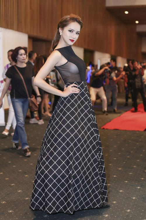 Hương Giang Idol: Mỹ nhân chuyển giới có gout thời trang nóng bỏng nhất showbiz Việt-8