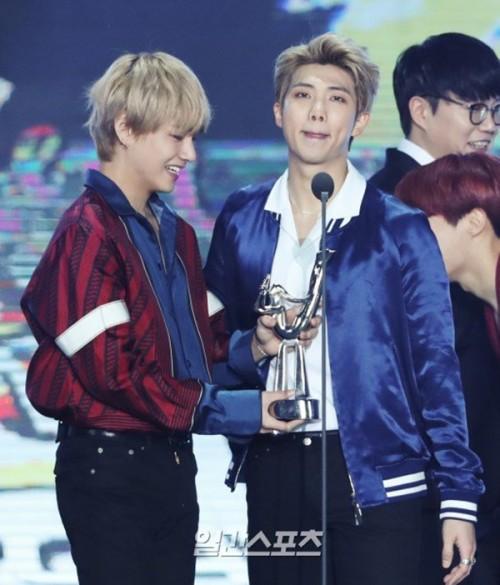 Suốt 9 năm qua, Daesang của Grammy xứ Hàn không rời SM và BTS vừa phá bỏ nó!-2