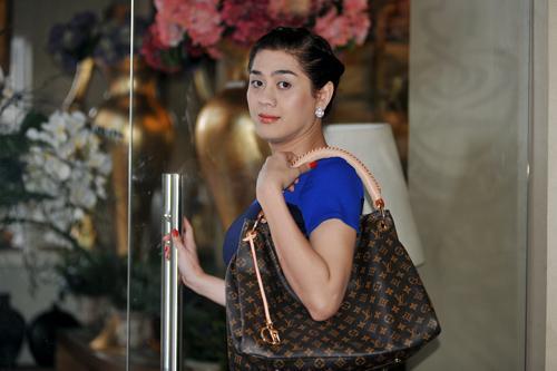 Hành trình lặn lội tìm hạnh phúc của Lâm Khánh Chi: Từ nam ca sĩ trở thành cô dâu nổi tiếng showbiz Việt-2