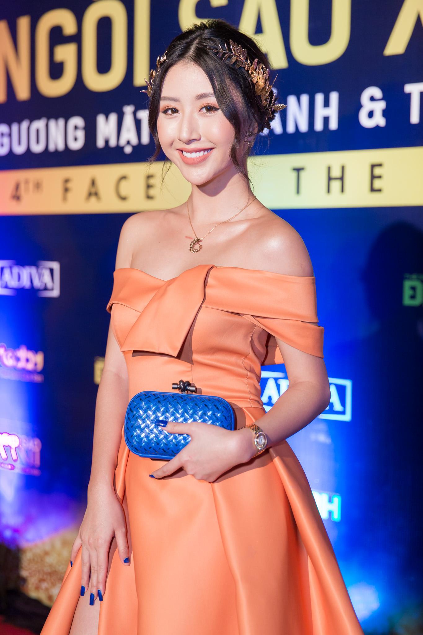 Hoa hậu HHen Niê đọ sắc cùng Hoàng Thùy và Mâu Thủy trên thảm đỏ Ngôi sao xanh-6