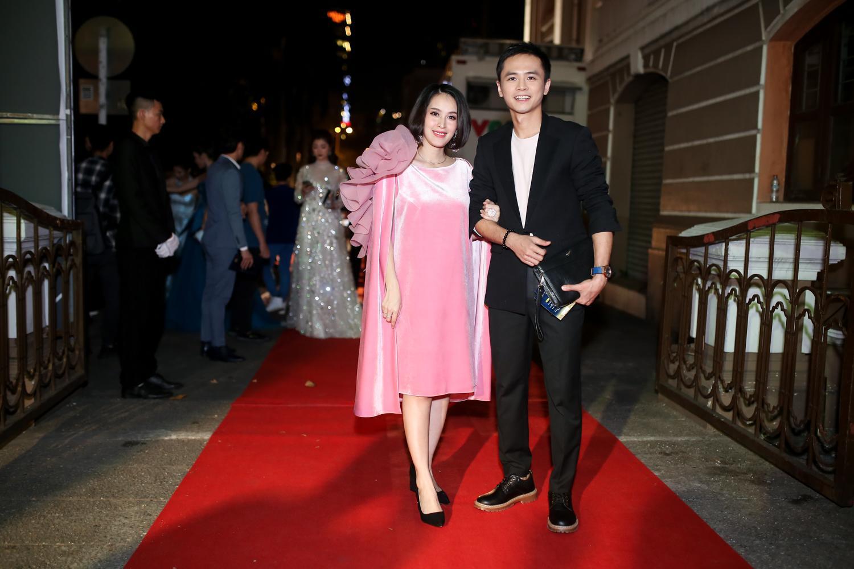 Hoa hậu HHen Niê đọ sắc cùng Hoàng Thùy và Mâu Thủy trên thảm đỏ Ngôi sao xanh-12