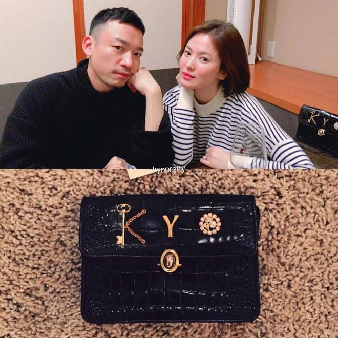 Chọn túi hiệu có gắn tên mình, Song Hye Kyo chẳng sợ đụng hàng ai-1