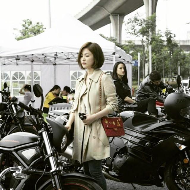 Chọn túi hiệu có gắn tên mình, Song Hye Kyo chẳng sợ đụng hàng ai-5