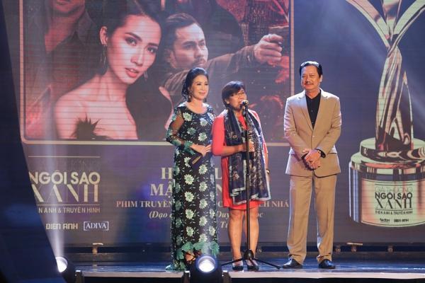 HHen Niê trao giải Nam diễn viên xuất sắc cho NSƯT Hữu Châu-3
