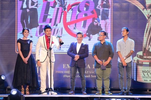 HHen Niê trao giải Nam diễn viên xuất sắc cho NSƯT Hữu Châu-7