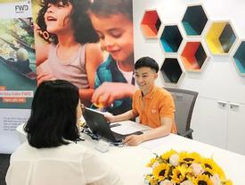 FWD cho phép khách rút tiền bảo hiểm trực tuyến 24/7