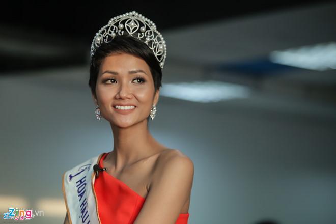 Bí quyết để sở hữu thân hình quyến rũ như Hoa hậu Hoàn vũ Việt Nam HHen Niê-1