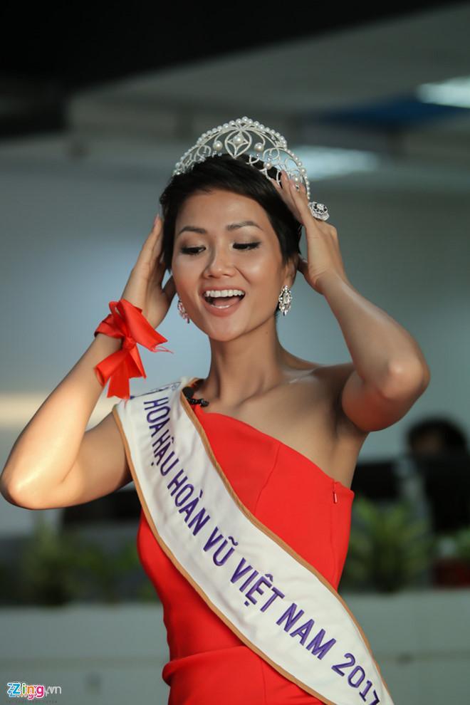 Bí quyết để sở hữu thân hình quyến rũ như Hoa hậu Hoàn vũ Việt Nam HHen Niê-4
