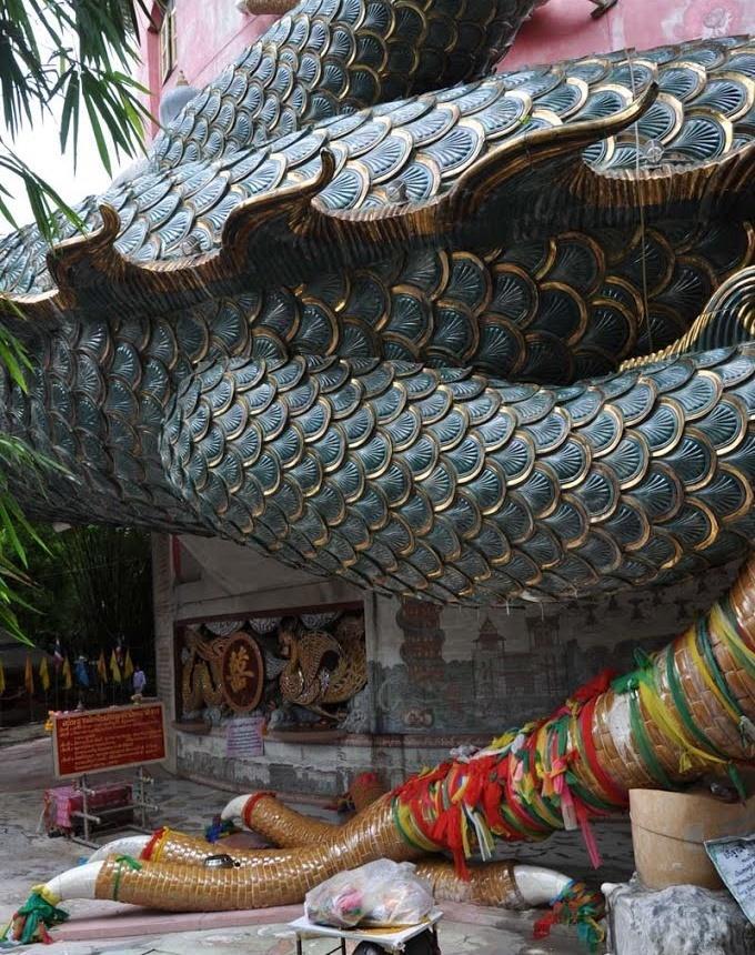 Ngôi đền rồng uốn lượn độc đáo ở Thái Lan-3