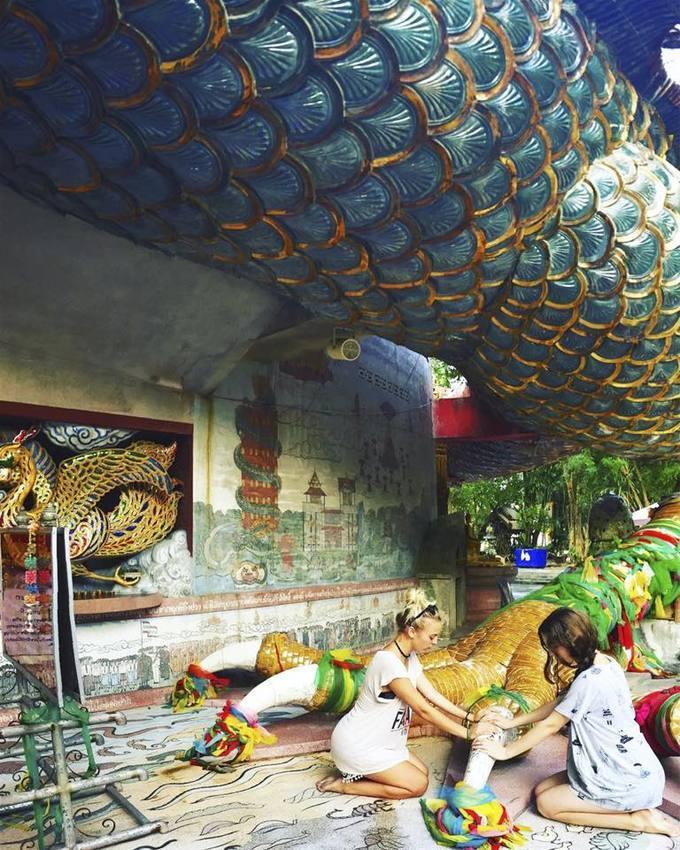 Ngôi đền rồng uốn lượn độc đáo ở Thái Lan-7