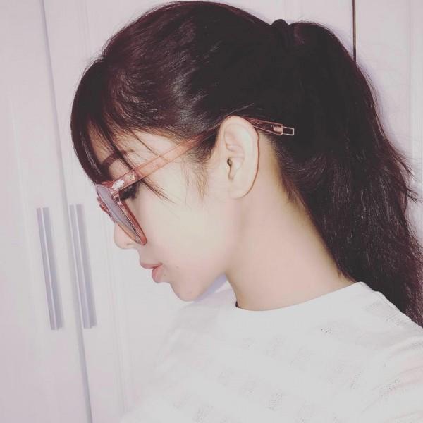 Cô bạn gái xinh đẹp khiến Yanbi tự nguyện unfriend hết gái xinh trên Facebook-8