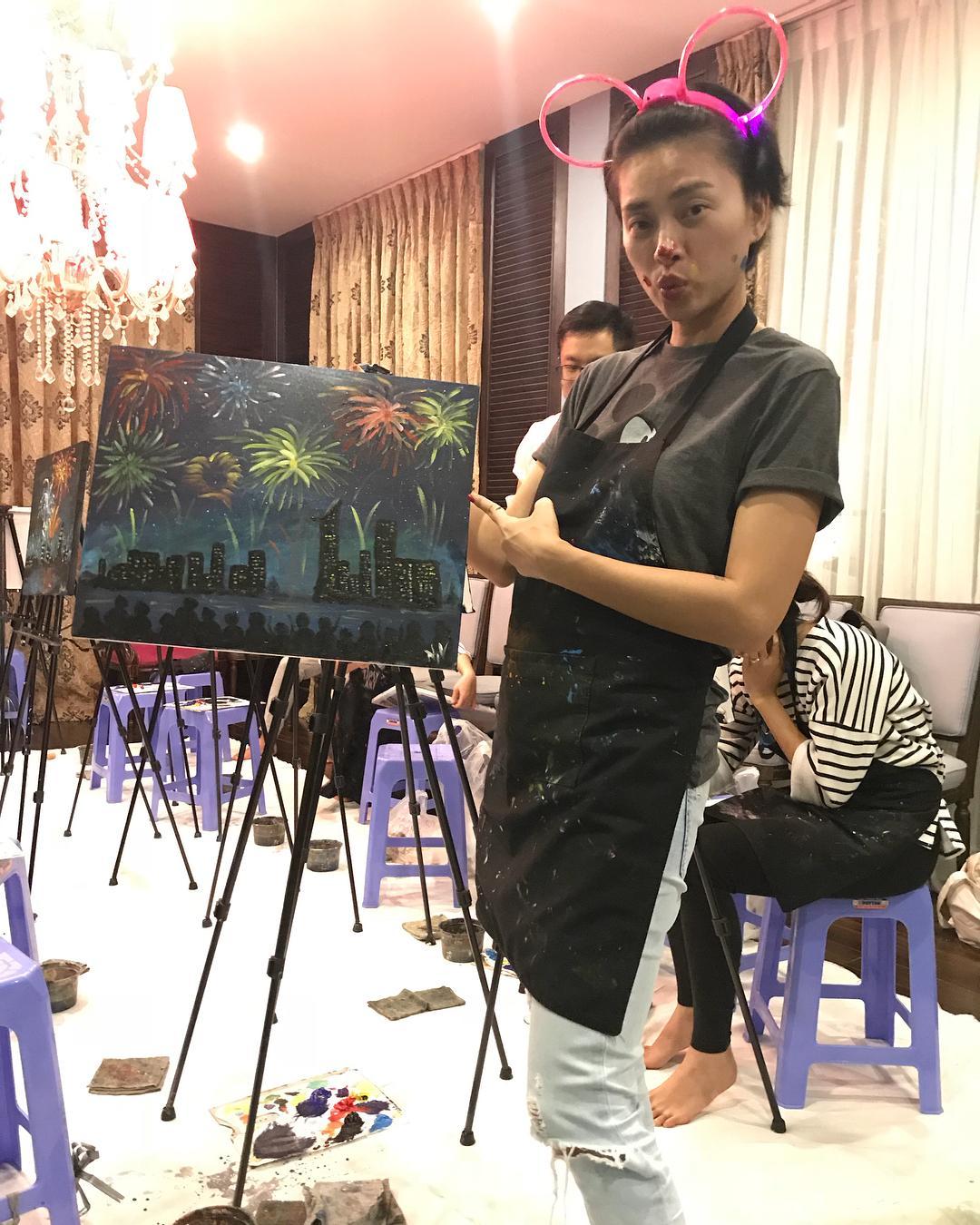 Tin sao Việt: Bất ngờ với tài năng vẽ tranh của đả nữ Ngô Thanh Vân-1
