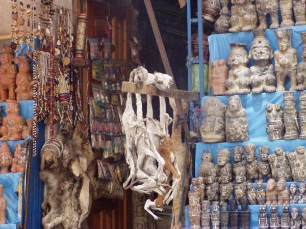 Lạnh người lạc vào khu chợ của phù thủy-2
