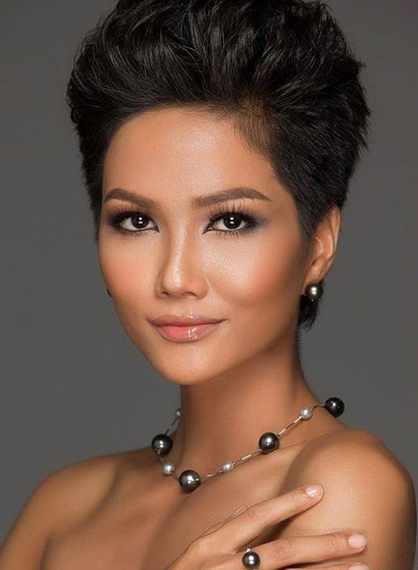 Phong cách thời trang giản dị của tân Hoa hậu Hoàn vũ HHen Niê-1