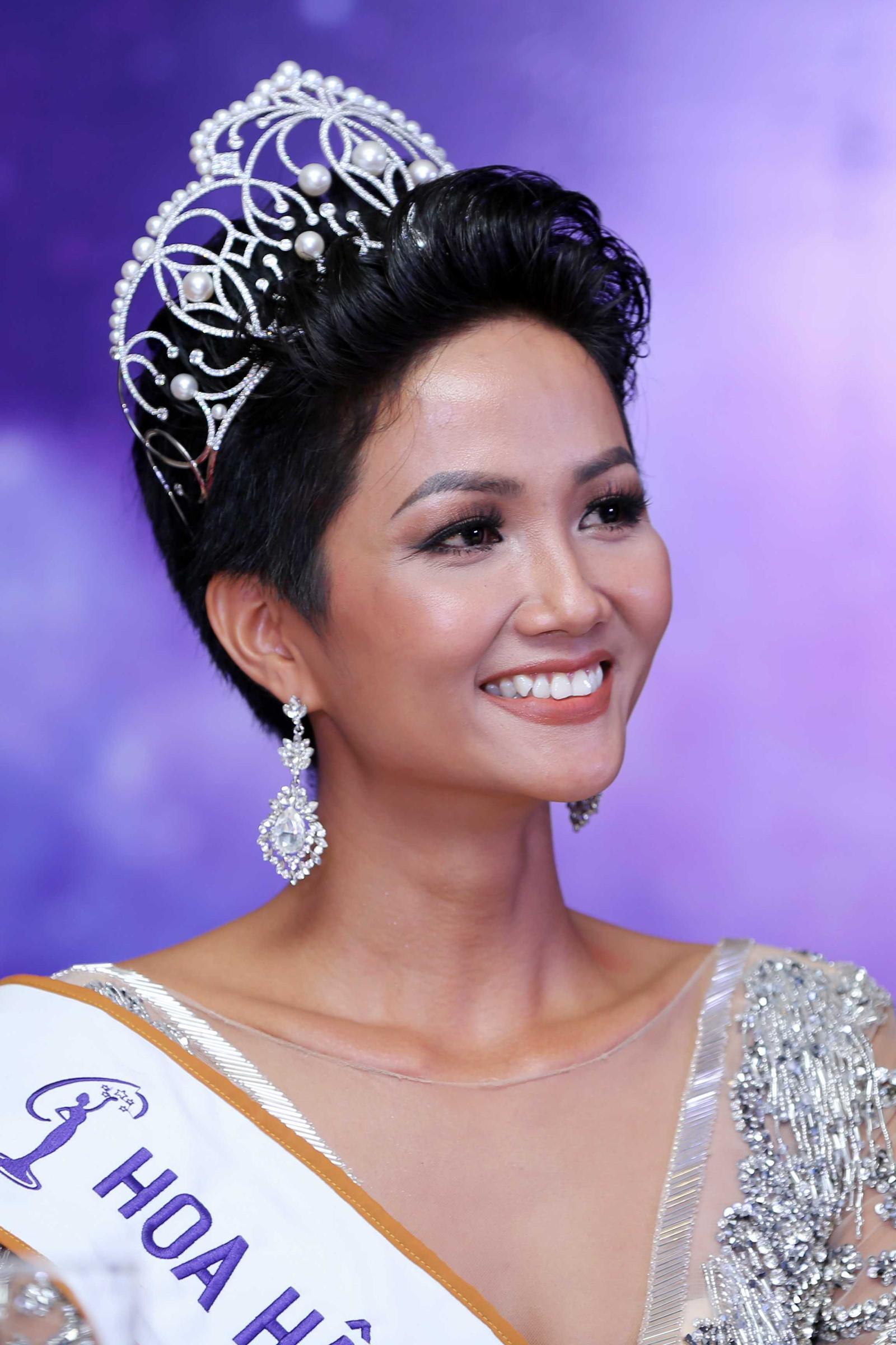 Sở hữu vẻ đẹp quốc tế, HHen Niê có thay đổi được vị thế nhan sắc Việt tại Hoa hậu Hoàn vũ Thế giới 2018?-8