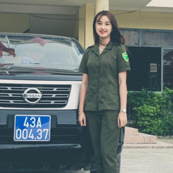 Nữ công an viên phút chốc nổi tiếng bởi nụ cười tỏa nắng-2