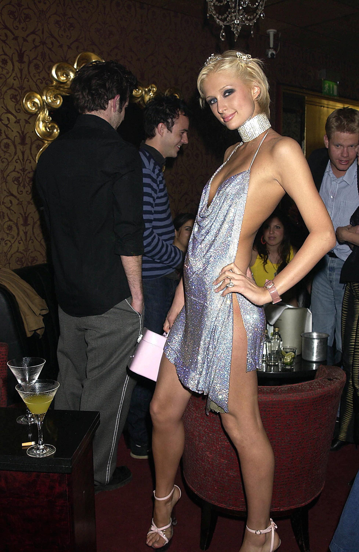 Minh Tú quá táo bạo với đầm xẻ hiểm hóc, giống y chang Kendall Jenner và Paris Hilton-5