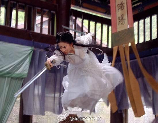 Chết cười với những hạt sạn xuyên không về thời xưa trong phim cổ trang Hoa ngữ-7