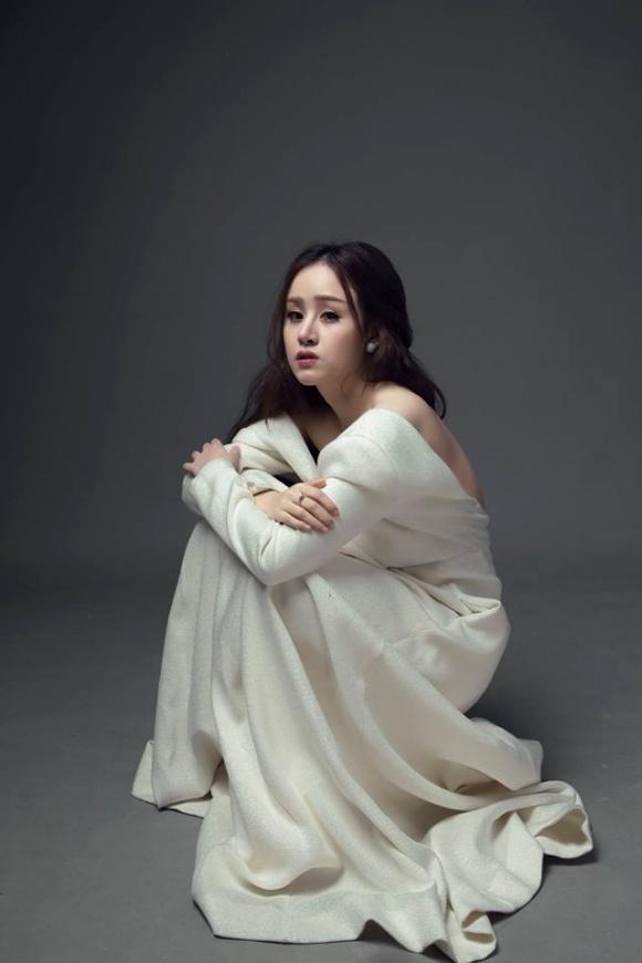 Hot girl - hot boy Việt: Lê Tấn Lợi gồng mình khi hát live Chợt nhớ tình đầu-4