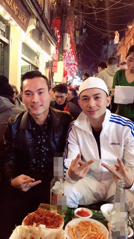 Hot girl - hot boy Việt: Lê Tấn Lợi gồng mình khi hát live Chợt nhớ tình đầu-10