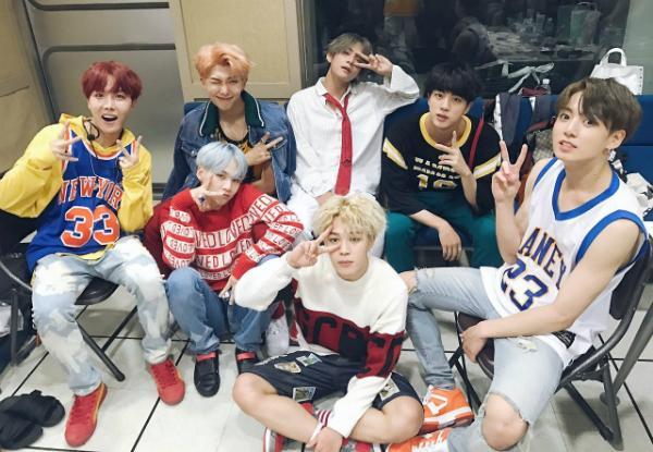 BXH thương hiệu nhóm nhạc nam tháng 1: BTS đánh bại Wanna One chiếm ngôi đầu bảng-2