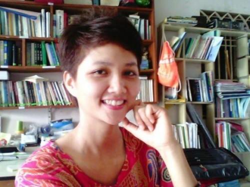 Lộ ảnh thời sinh viên ở phòng trọ chật hẹp của Hoa hậu H'Hen Niê khi chưa đăng quang-2