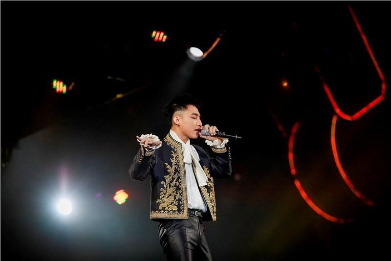 Sơn Tùng lại bạo gan đụng ý tưởng với chiếc jacket trị giá đến 1,4 tỷ đồng của G-Dragon-1