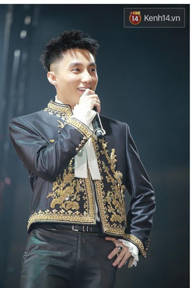 Sơn Tùng lại bạo gan đụng ý tưởng với chiếc jacket trị giá đến 1,4 tỷ đồng của G-Dragon-2