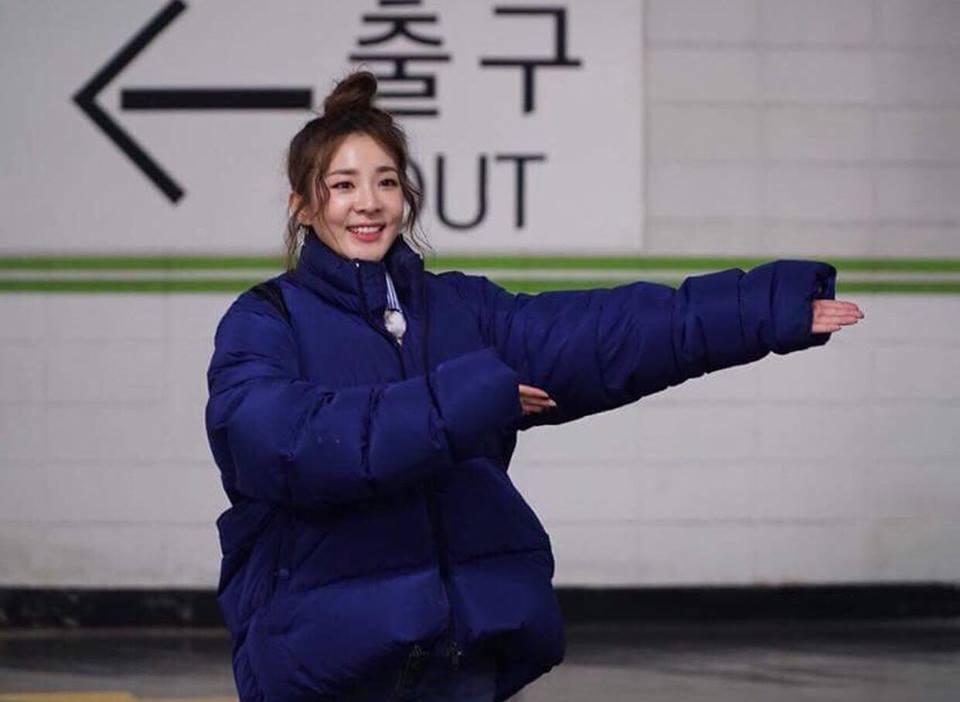 Dát hàng hiệu tinh tế, Suzy - Irene nổi bật nhất street style sao Hàn tuần qua-1