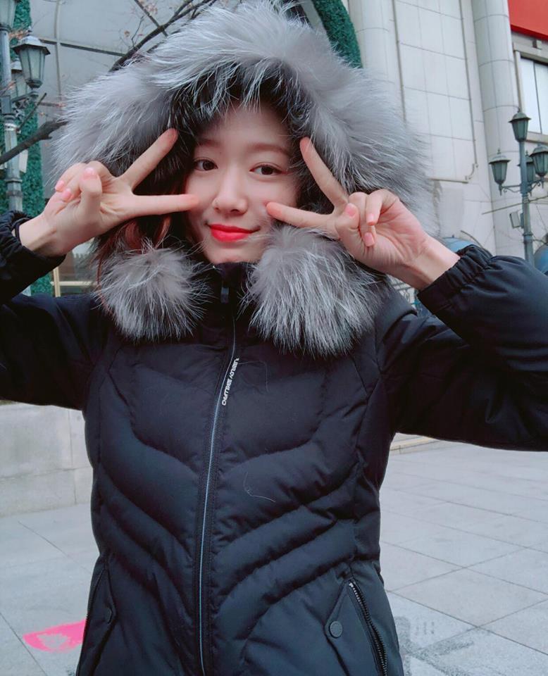 Dát hàng hiệu tinh tế, Suzy - Irene nổi bật nhất street style sao Hàn tuần qua-4