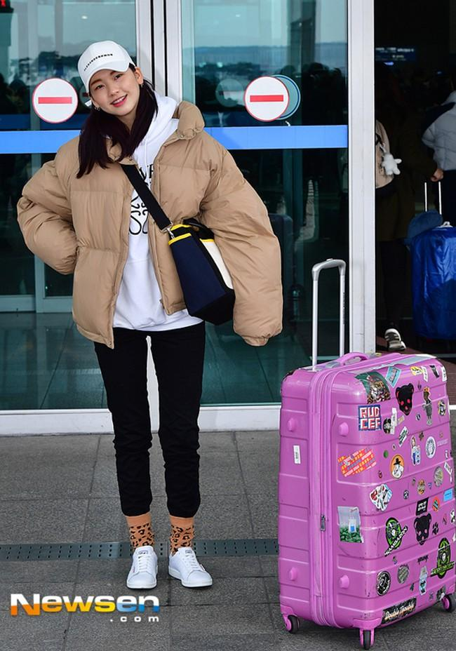 Dát hàng hiệu tinh tế, Suzy - Irene nổi bật nhất street style sao Hàn tuần qua-9