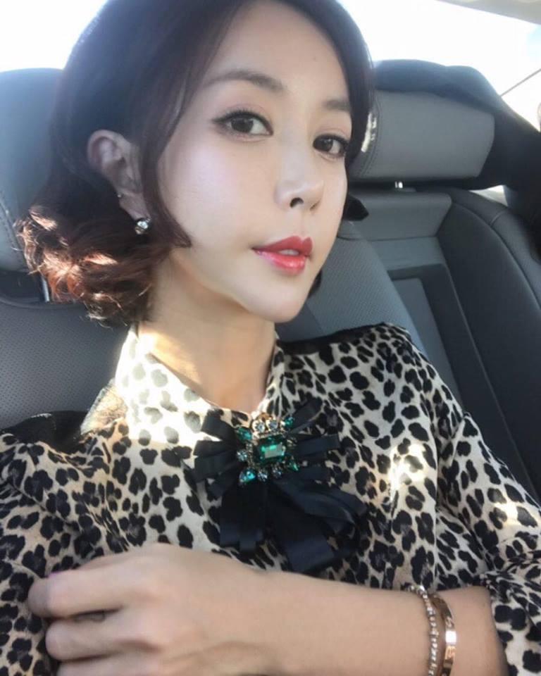 Sao Hàn 15/1: Ghen tị khi Goo Hye Sun được chồng Ahn Jae Hyun chiều hết mực-3