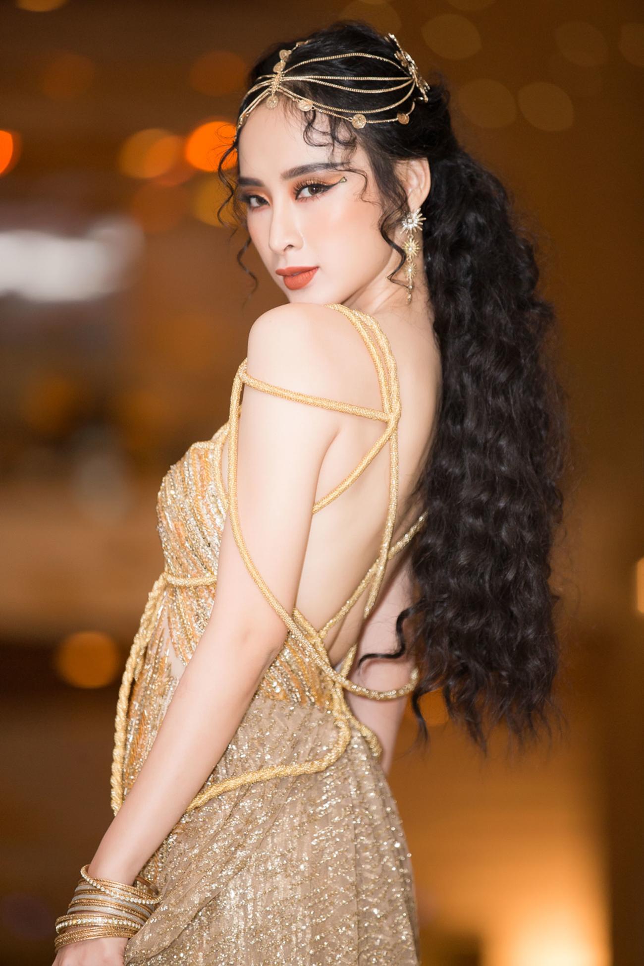 Mỹ nhân Việt lên thảm đỏ là cứ phải cosplay theo phong cách nữ thần, bà hoàng-11
