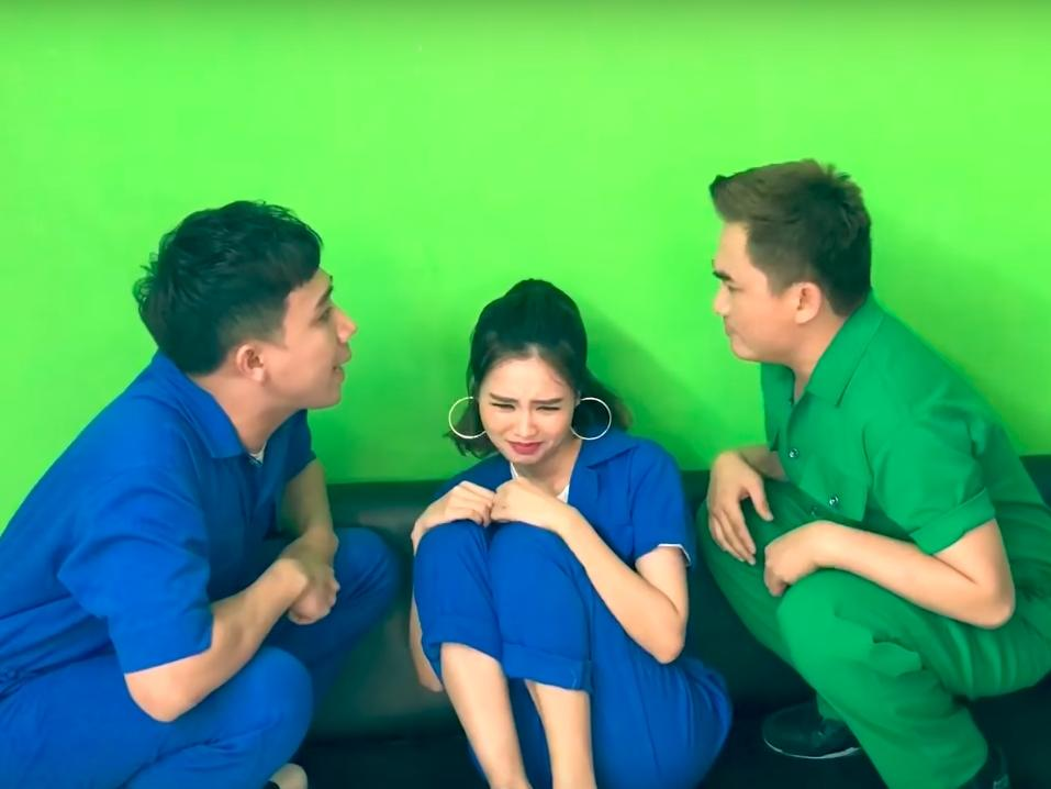Trấn Thành mắng Lan Ngọc té tát trong bản parody 'Người lạ ơi!'